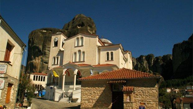 Day7-Kastraki-village-Megalo-Meteoro-Arché-Travel-On-Tour