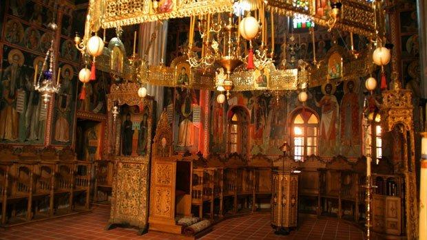 Day7-Meteora-church-Megalo-Meteoro-Arché-Travel-On-Tour