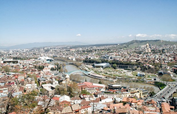 Tbilisi dall'Alto Georgia - Arché Travel On Tour Viaggio in Georgia