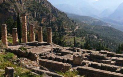 Templio di Apollo - Santuario di Delfi - Grecia Continentale - Arché Travel Grecia