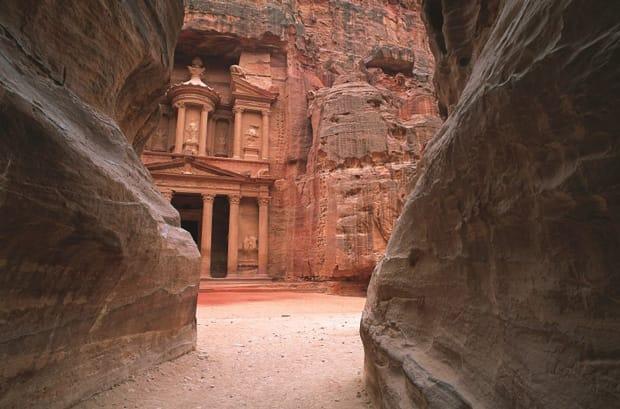 petra-cosa-vedere-tesoro-del-faraone-el-khazneh-al-faroun-arche-travel