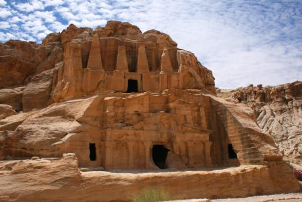 petra-cosa-vedere-tomba-obelisco-arche-travel
