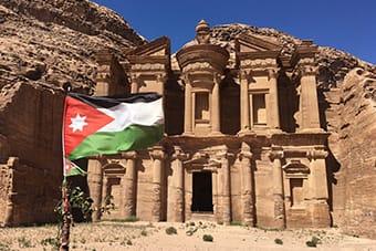 Petra Monastero al-deir - Tour Giordania di gruppo - Tour Petra Giordania