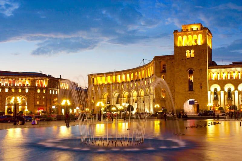 Yerevan Piazza della Rupubblica - Cosa ce da vedere in Armenia