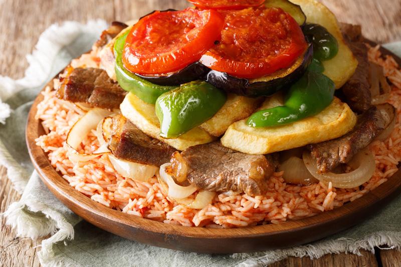 cosa mangiare in Giordania - Maqluba cucina giordana cucina giordana