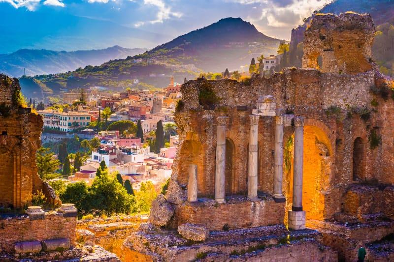 teatro greco colonne scena