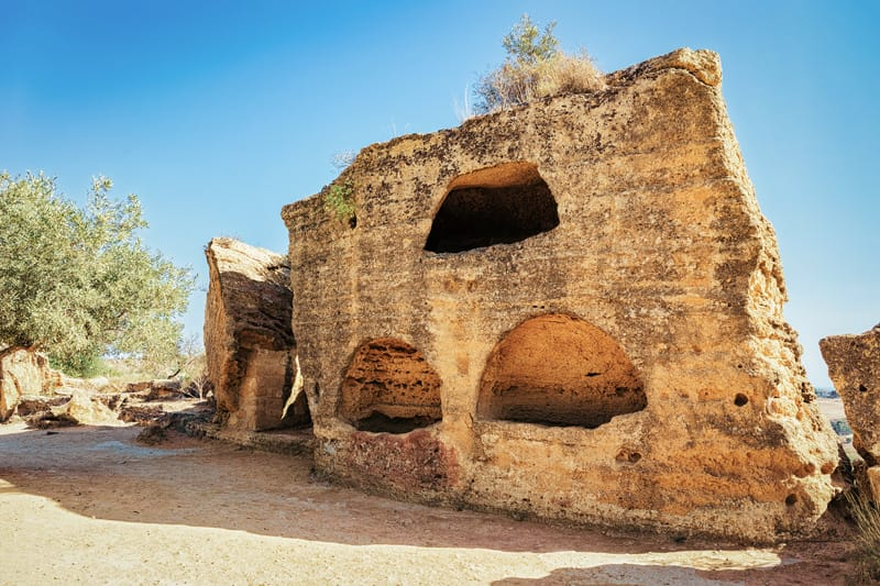 necropoli valle dei templi storia