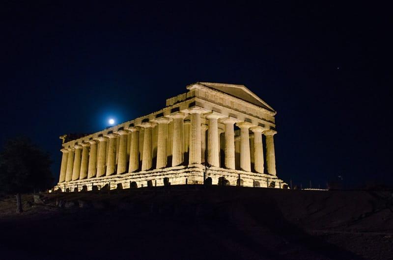 valle dei templi visite notturne