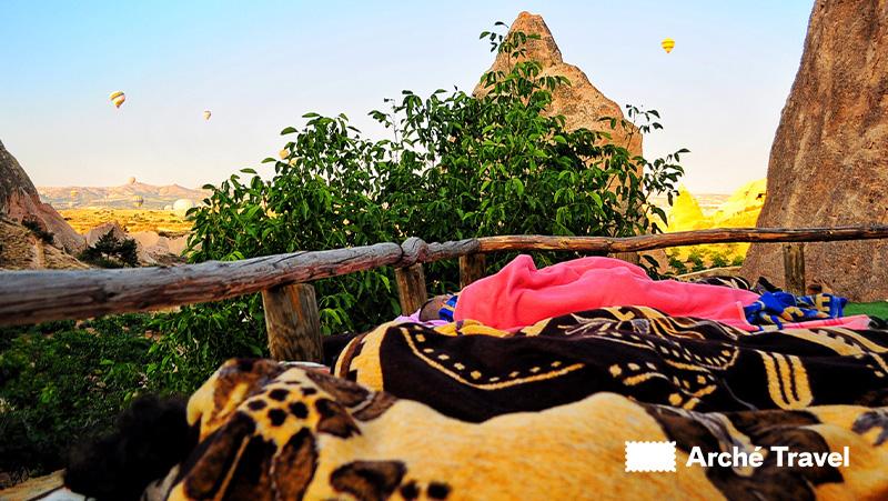 dormire sotto le stelle, dormire all'aperto, Cappadocia, Turchia