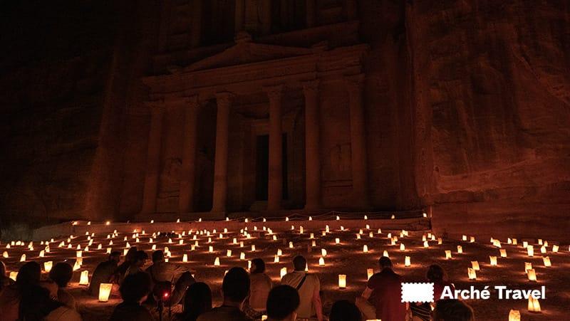palazzo del faraone di notte Petra