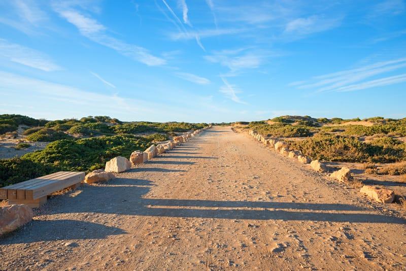 Sentiero Bordeira Beach - Algarve - Viaggi on the Road Estate
