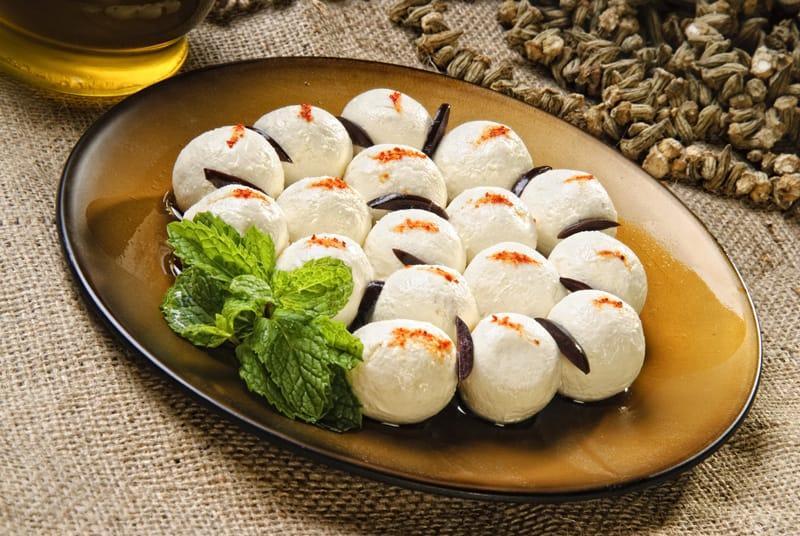 Cosa si mangia in Libano, Goat cheese balls