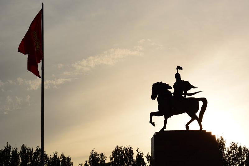 statua Manas indipendenza