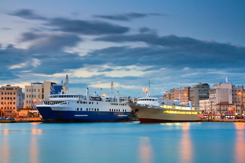 pireo traghetti grecia
