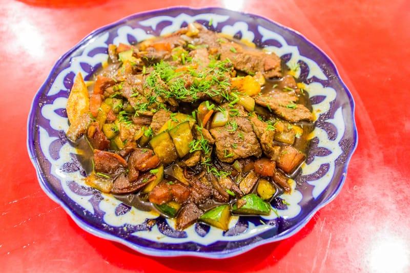 Dimlama. cosa mangiare Uzbekistan. cucina Uzbekistan