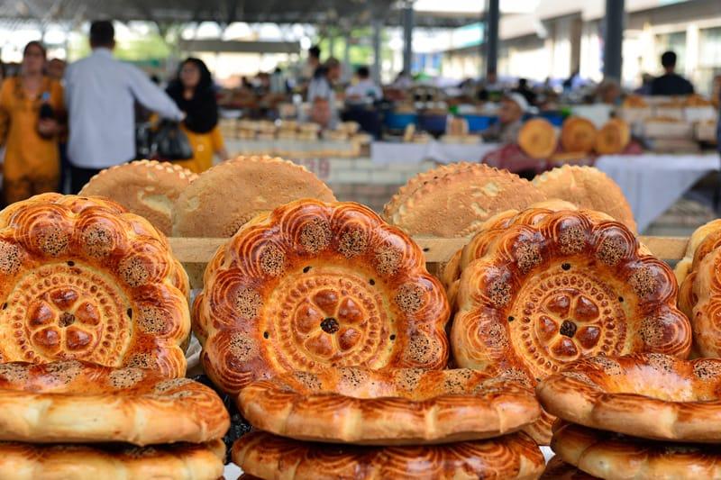 Pane uzbeco, cosa mangiare in Uzbekistan, piatti tipici