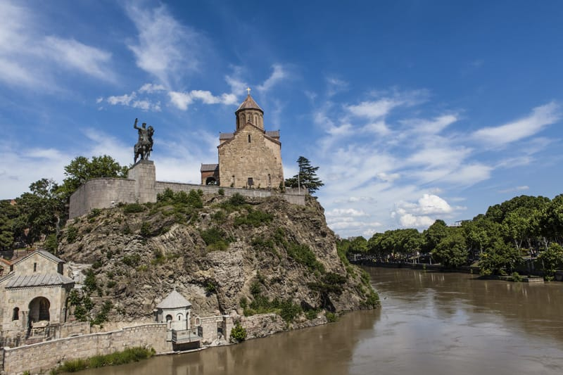chiesa di Metekhi fiume Kura Tbilisi