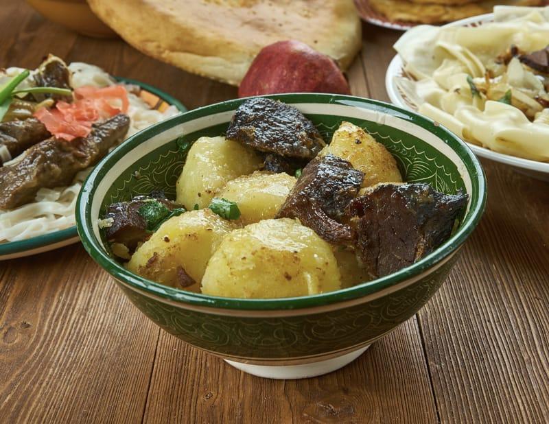 Kuurdak - Cucina Kirghiza