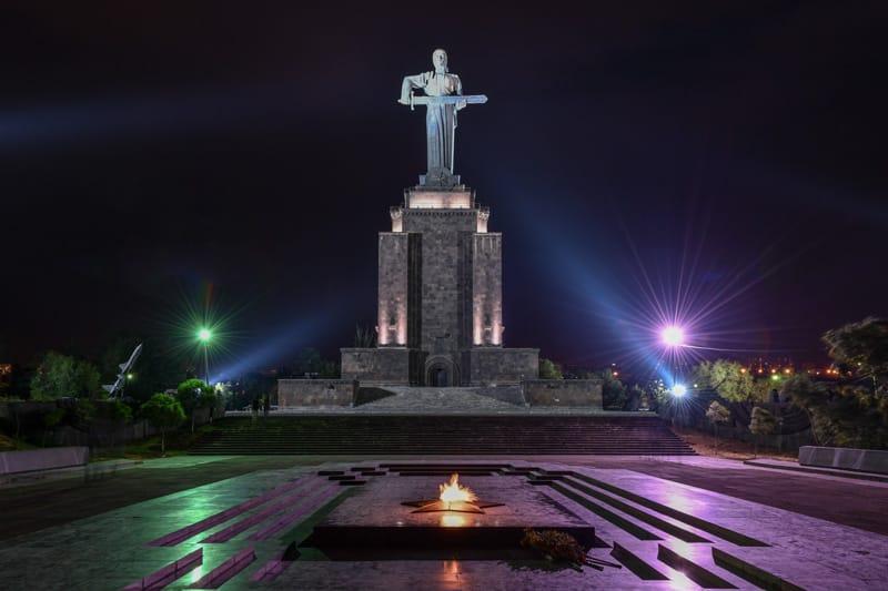 Madre Armenia nel Parco della Vittoria