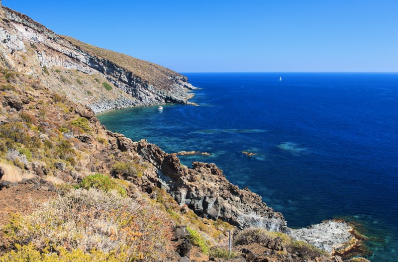 Pantelleria cosa fare e vedere balata dei turchi pantelleria cosa visitare