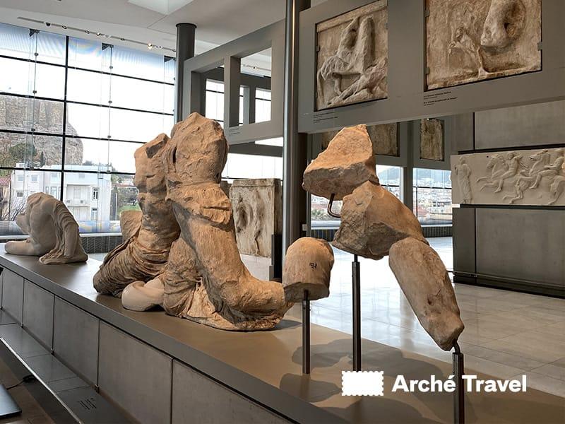 statue piano primo museo dell'acropoli di atene