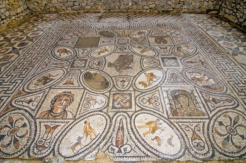 mosaico sette fatiche di ercole