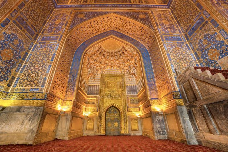 mosaici dorati madrasa Tilya Kori - cosa Vedere a Samarcanda