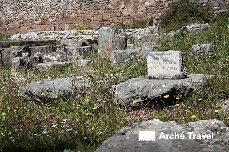Tempio di Atena Delfi