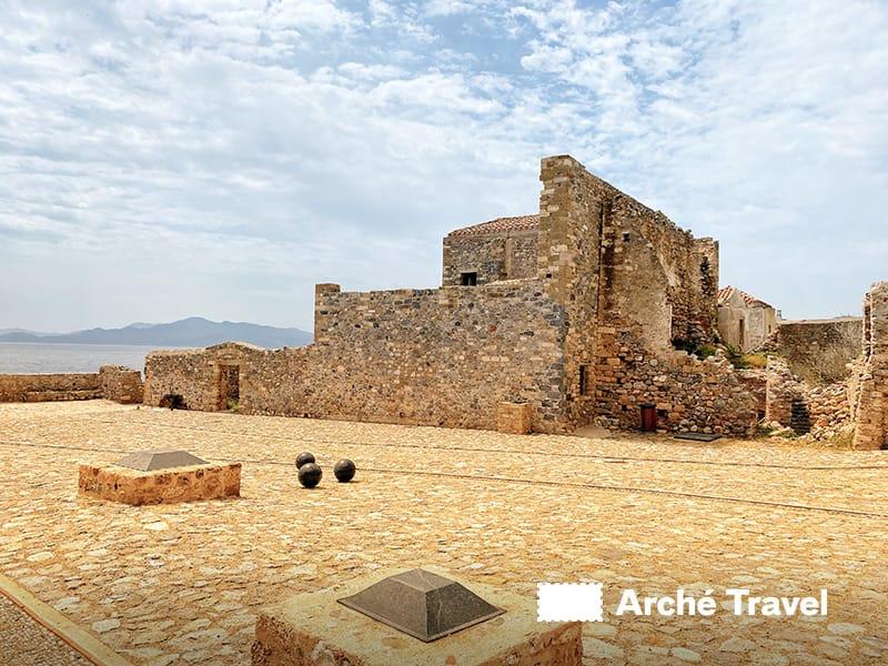 Monemvasia Grecia Peloponneso kastro medievale castello