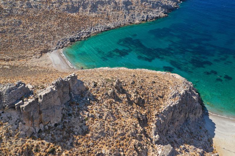 Le coste della spiaggia di Vatses