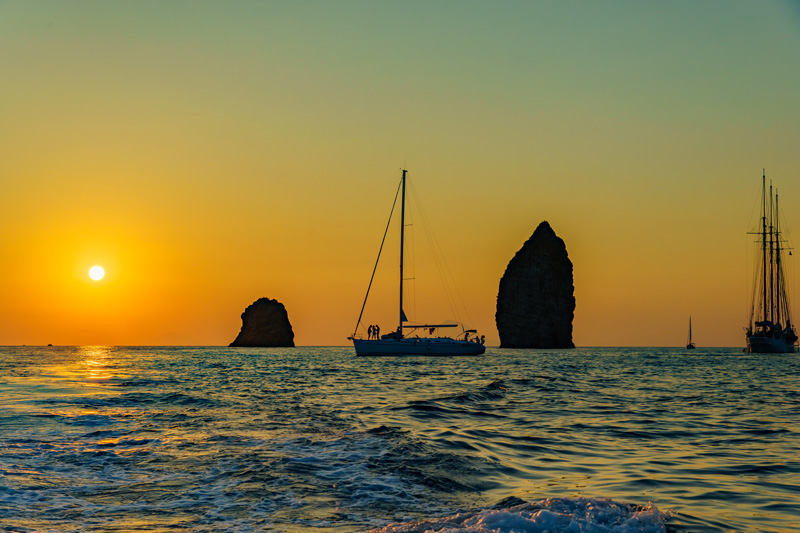 Tramonto Caicco Isole Eolie
