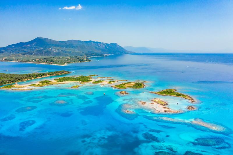 Isole Lichadonisia, Spiaggia Monolia